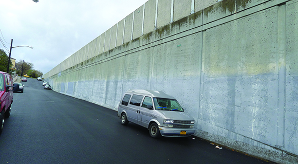 things that are dumb: EXPRESSWAY PRISON WALLS