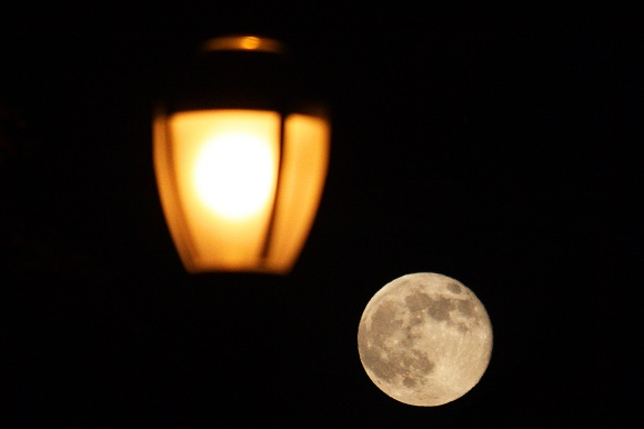 Short Story: The Moon and I